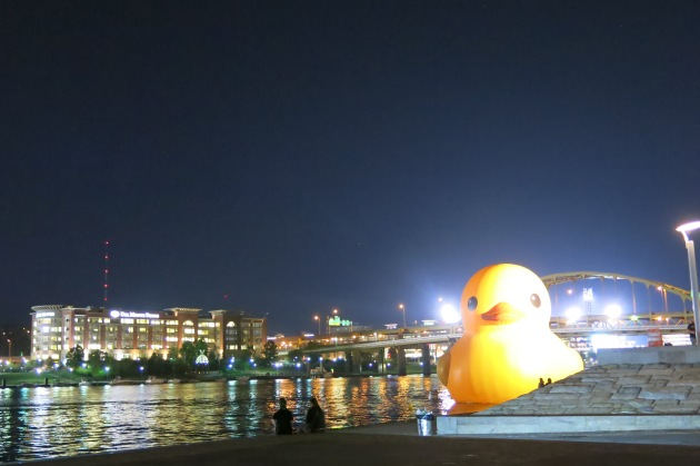 Pittsburgh Hong Kong Giant Duck Almost Getting It Together