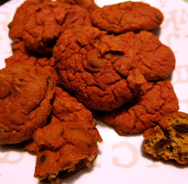 red velvet chocolate chip cookies | almost getting it together