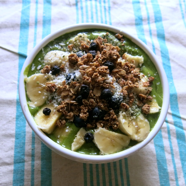 Superfood Smoothie Bowl | almost getting it together